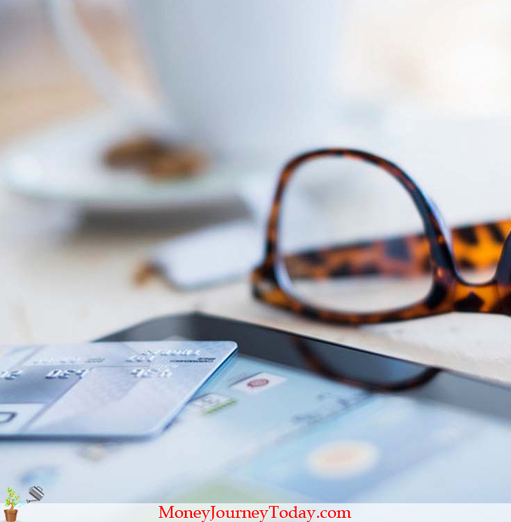 Advantages and disadvantages that come with using a credit card